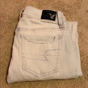 american eagle light wash jeans